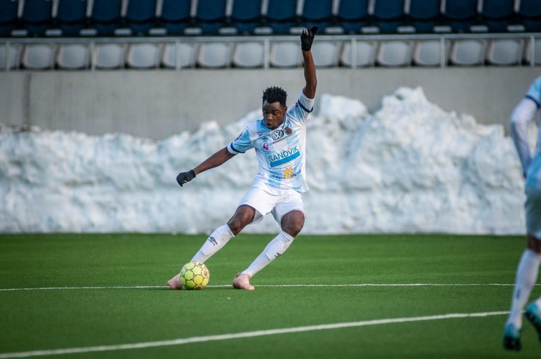 """Idag presenterades Amadou """"Yaya"""" Kalabane som ny Gefle IF-spelare.  GIF-redaktionen fick möjligheten att ställa ett par frågor till nyförvärvet. c21f1ec2022c5"""